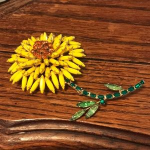 Large Weiss yellow flower brooch with glass stones
